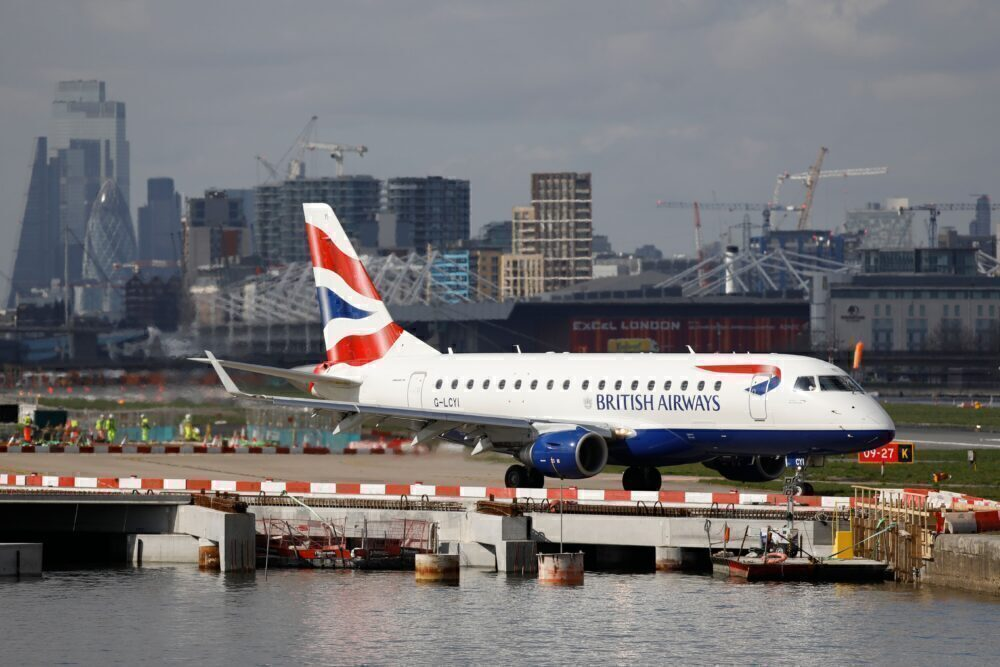 BA CityFlyer ERJ 170 at LCY