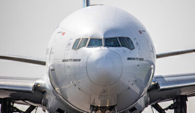 Boeing 777 front view