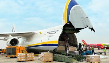 Antonov Car Parts Transfer