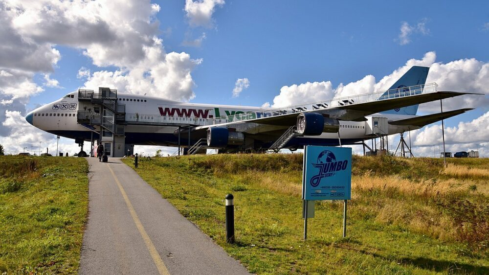 Jumbo Stay Stockholm 747 Hostel