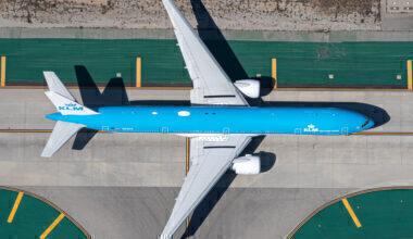 KLM Boeing 777-306(ER) PH-BVS