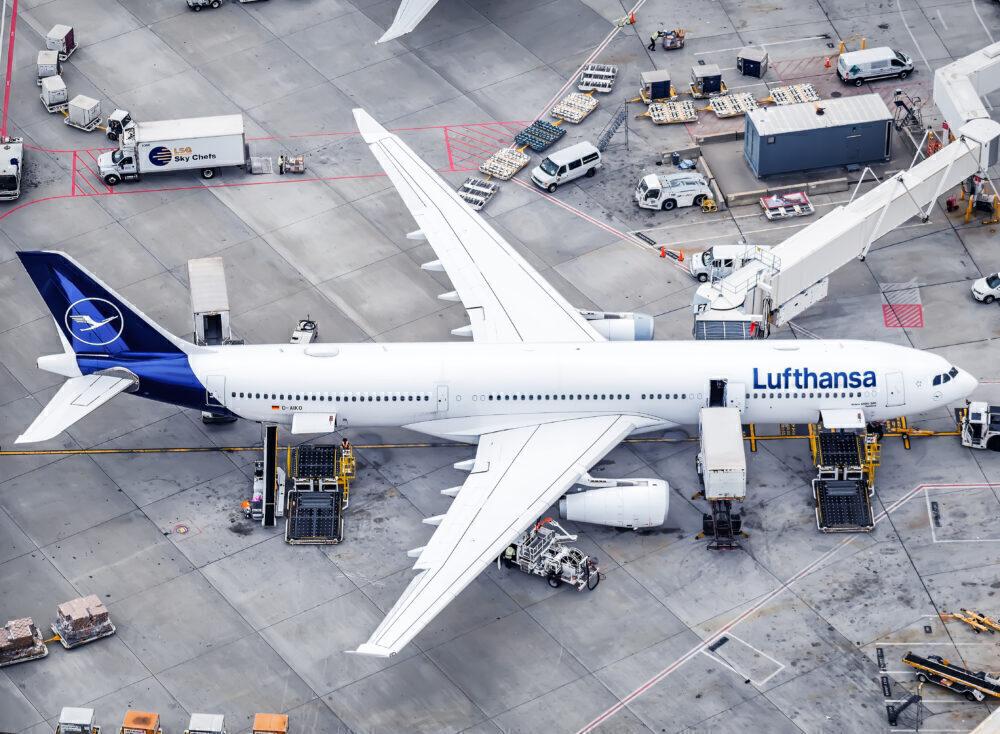 Lufthansa, Airbus A330, London Heathrow