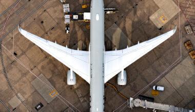 Qatar Airways Airbus A350-1041