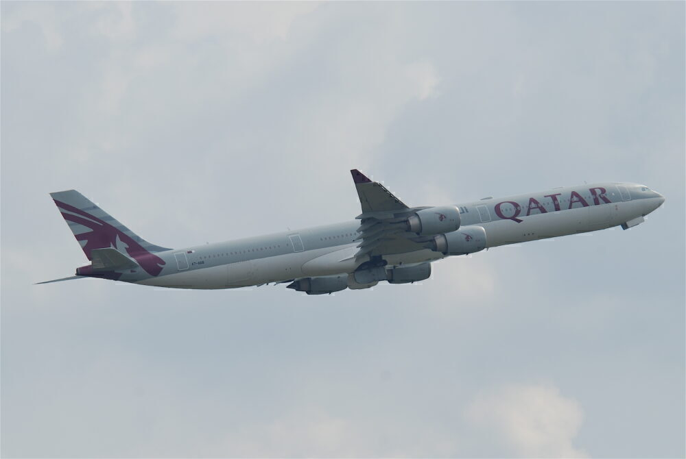Qatar Airways A340-600