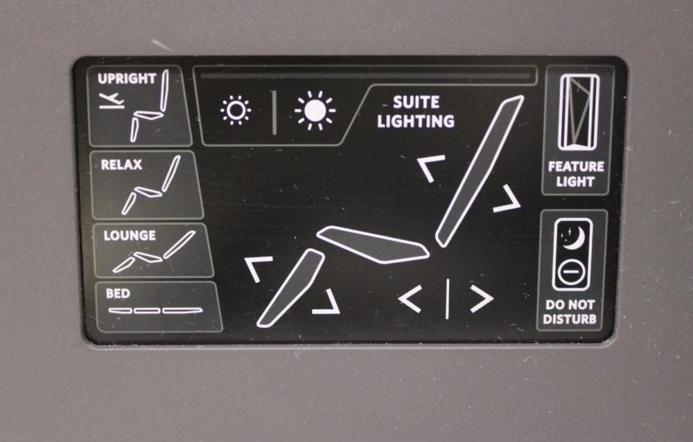 DL ONE 767 SEAT PANEL