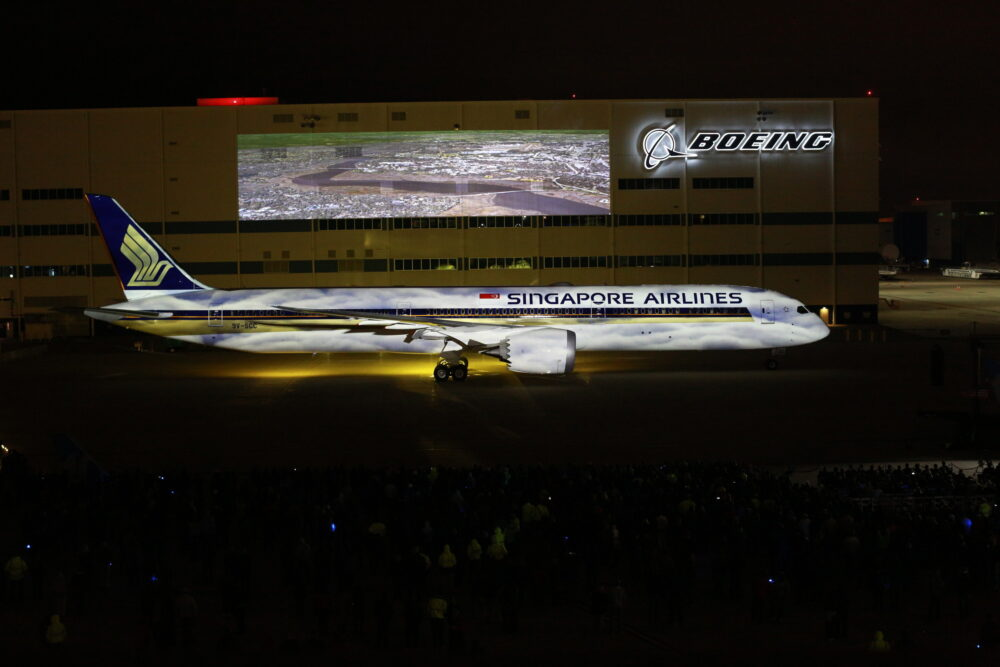 Singapore Airlines First 787-10 Boeing