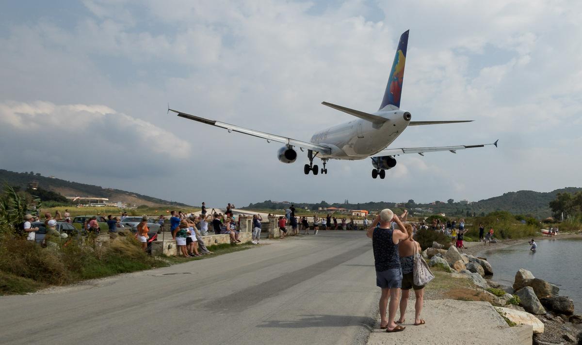 The European St Maarten: Introducing Skiathos Airport – Simple Flying