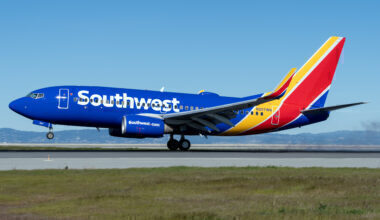 Southwest Airlines Boeing 737-700 N207WN (2)