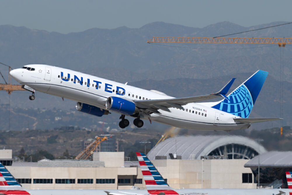 United Boeing 737