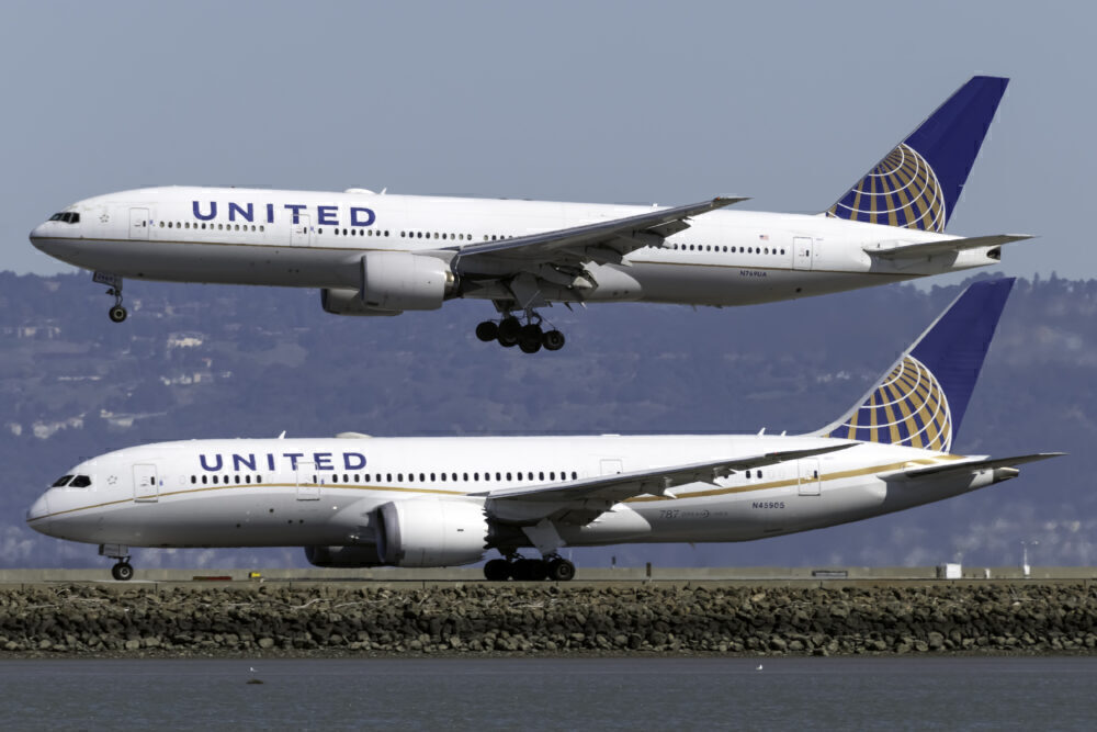 United Boeing 787 and 777