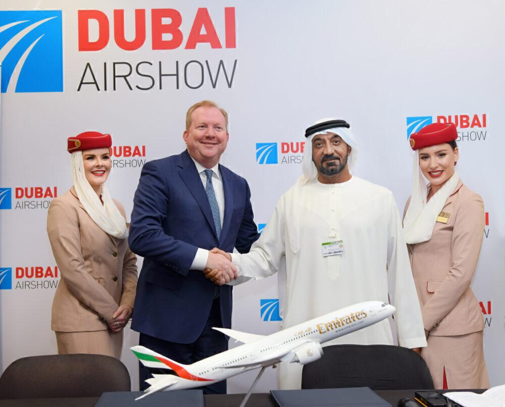 Emirates 787 signing
