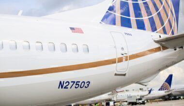 United-Airlines-Boeing-737-MAX-Rebooking