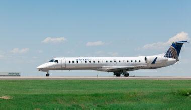 United Express ERJ145