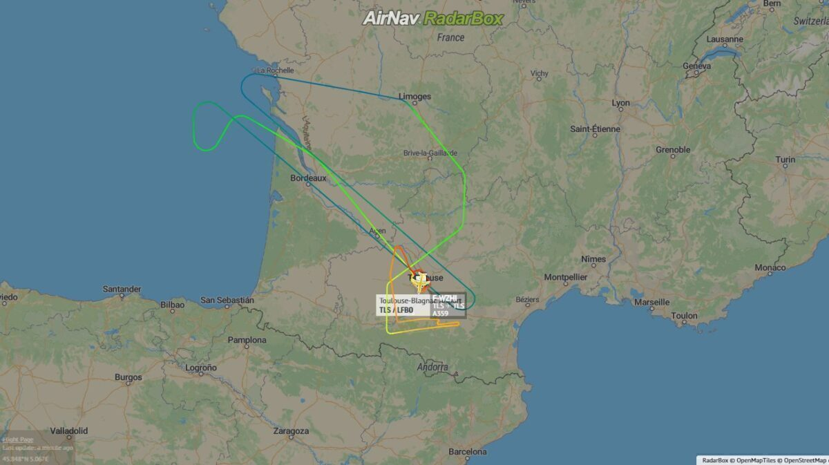 World2Fly's First Airbus A350 Takes Its First Flight