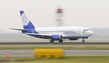 1280px-Boeing_737-500_of_Belavia