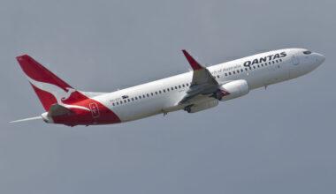 1280px-Qantas_Boeing_737-800;_VH-VZY@SYD;30.07.2012_665ay_(8091788651)