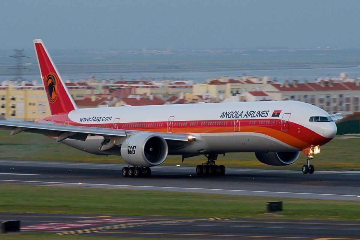 TAAG Angola Airlines TAAG Linhas Aéreas de Angola Boeing 777-300ER D2-TEJ