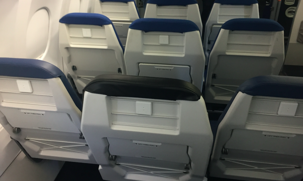 Staggered economy seating