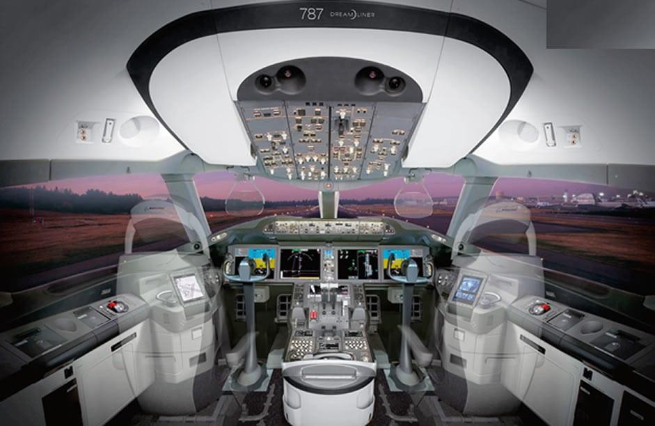 787 flight deck