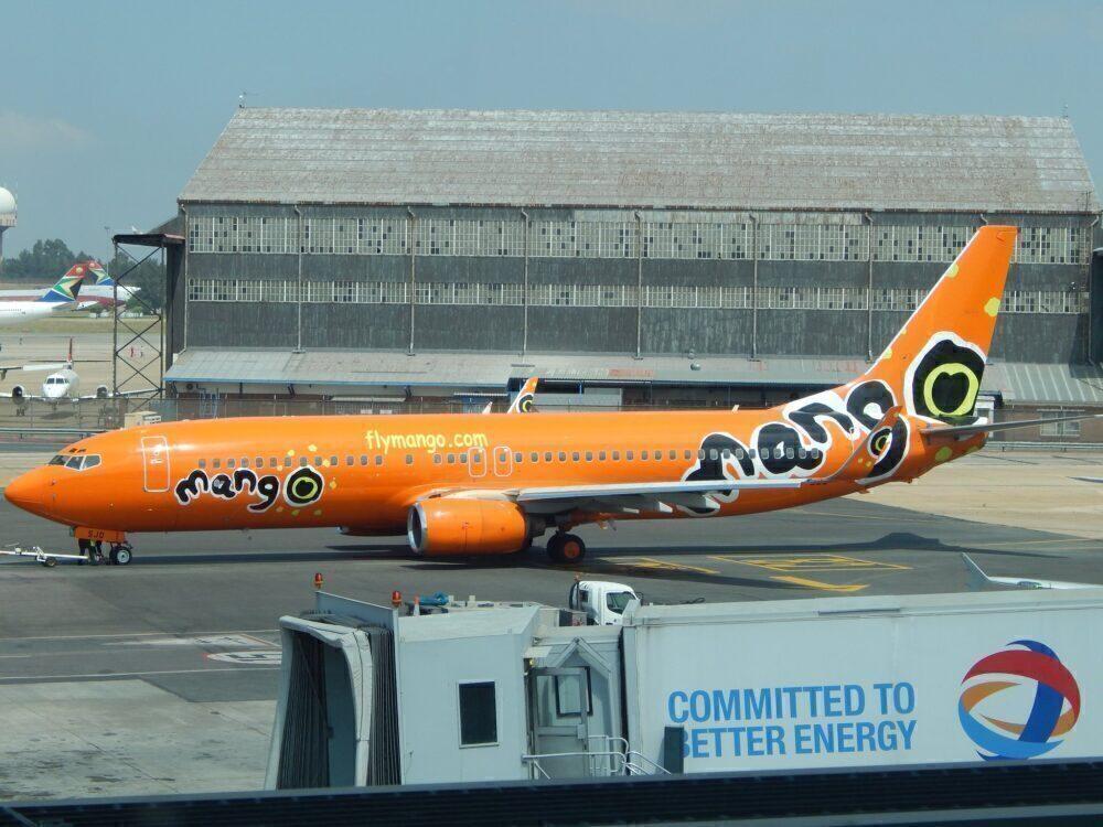 Mango Boeing 737