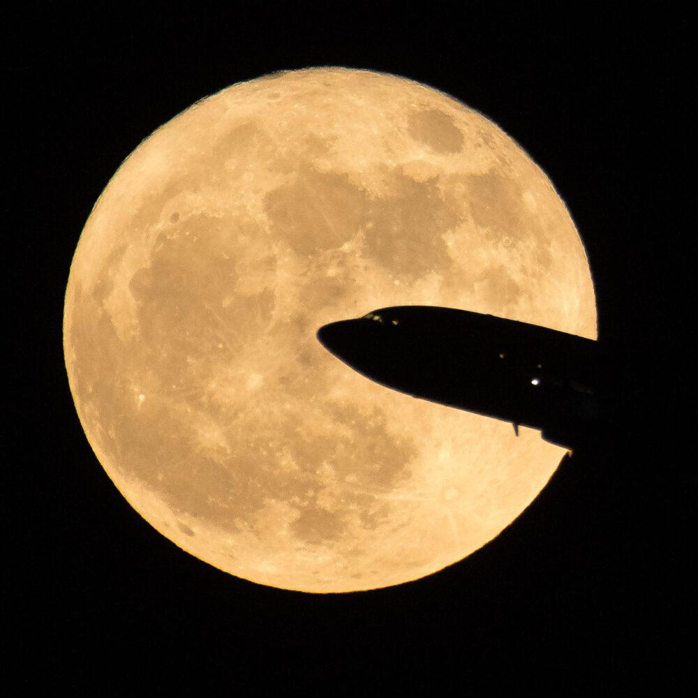 qantas-supermoon-flight-sells-out