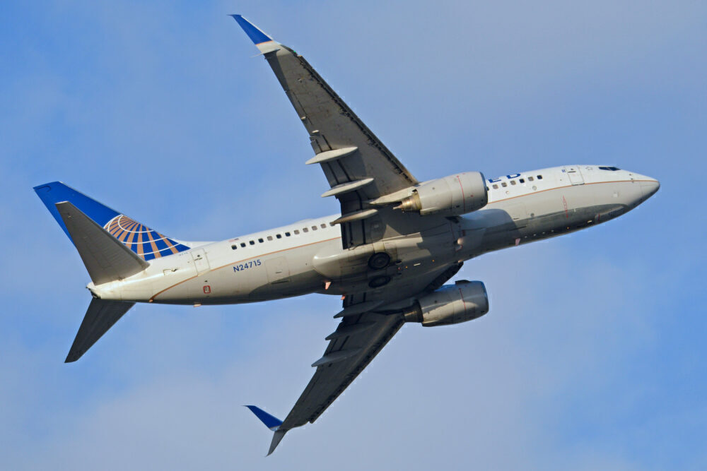 United Airlines Boeing 737-700