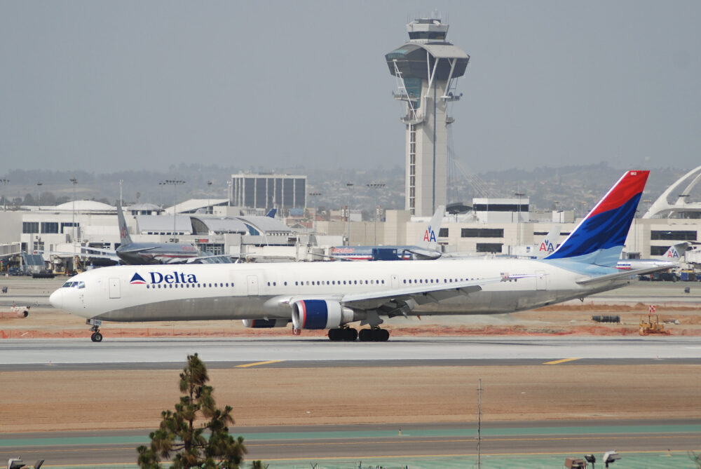 Delta 767 Old Livery
