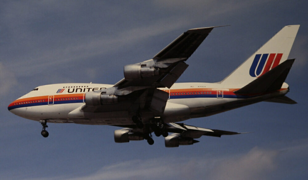 United Airlines Boeing 747SP