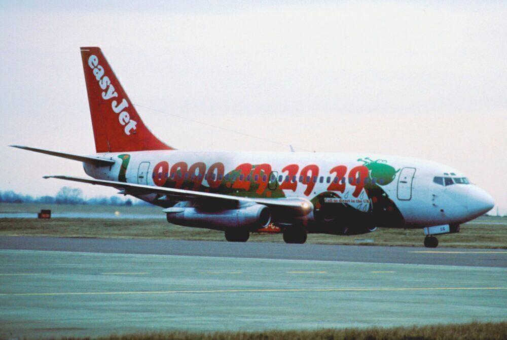 easyJet Boeing 737-200
