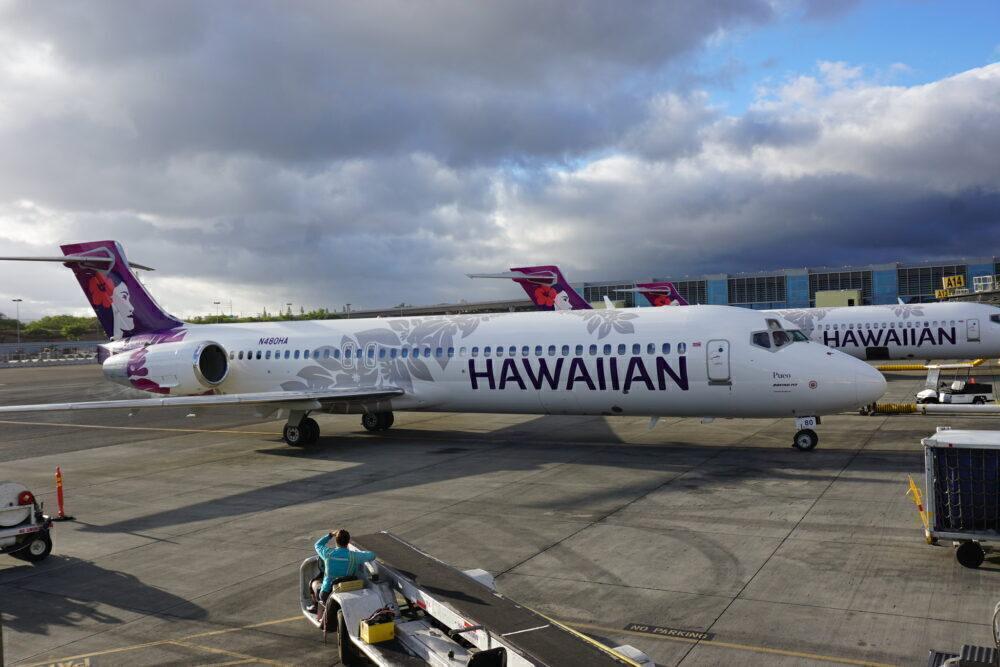 Hawaiian Boeing 717