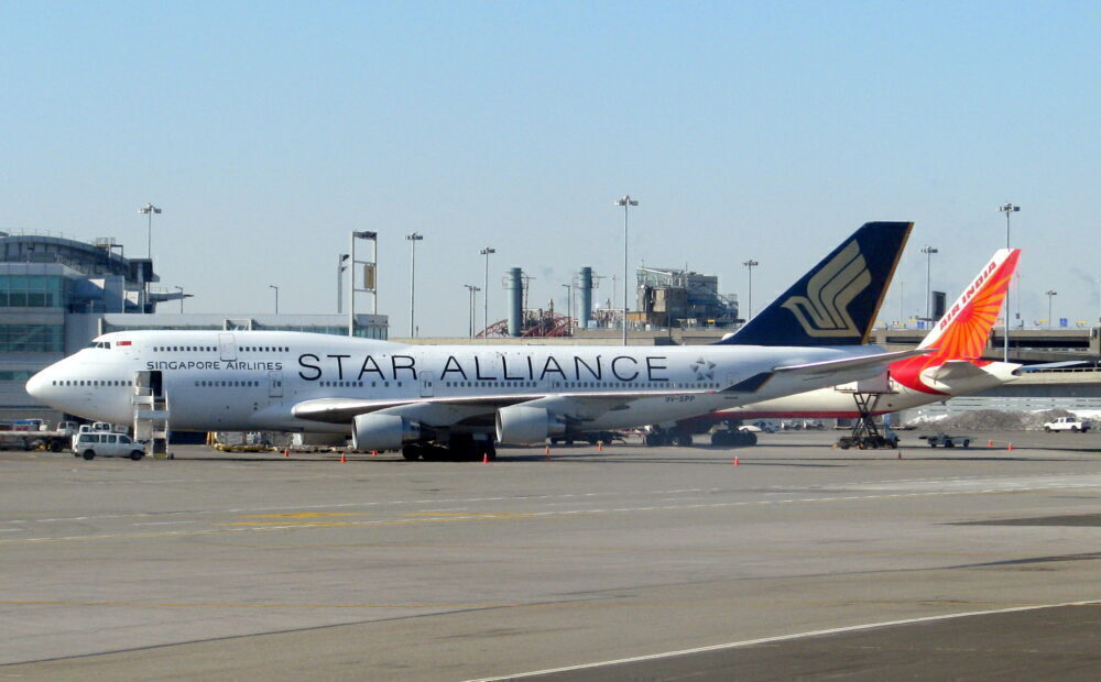 Singaore Airlines 747 Star Alliance Livery