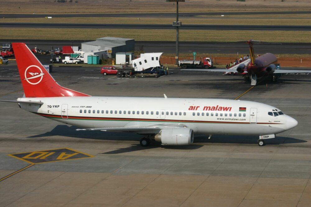 Air Malawi Boeing 737