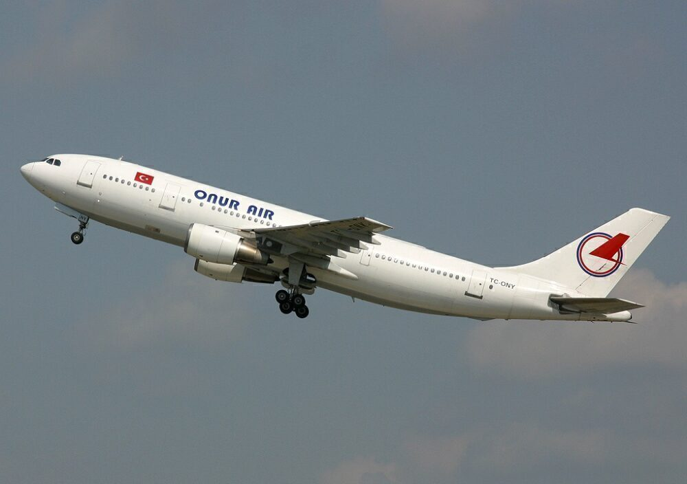 Onur Air Airbus A300