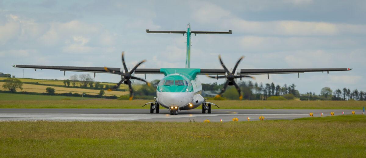 Aer_Lingus_Regional,_ATR_72-600,_EI-FAW_(18169205408)