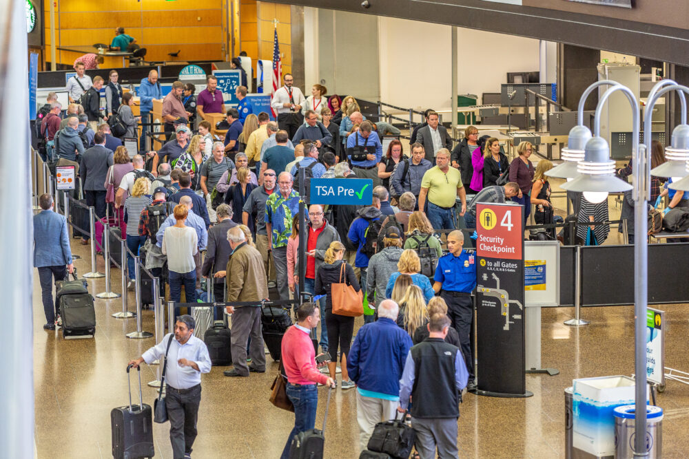 Security checkpoints and lines at Sea-Tac, 20 September 2018.