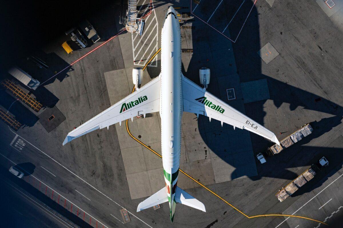 Alitalia Airbus A330-202 EI-EJI