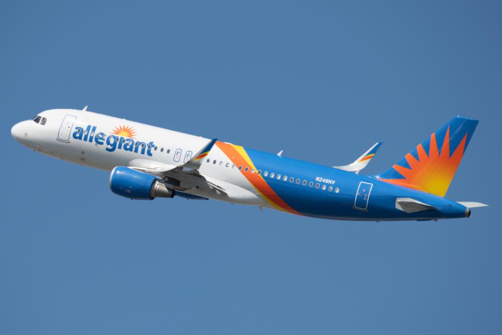 Allegiant-Hires-New-Pilots
