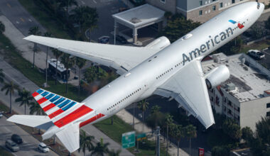 American Airlines Boeing 777-223(ER) N759AN (2) (1)