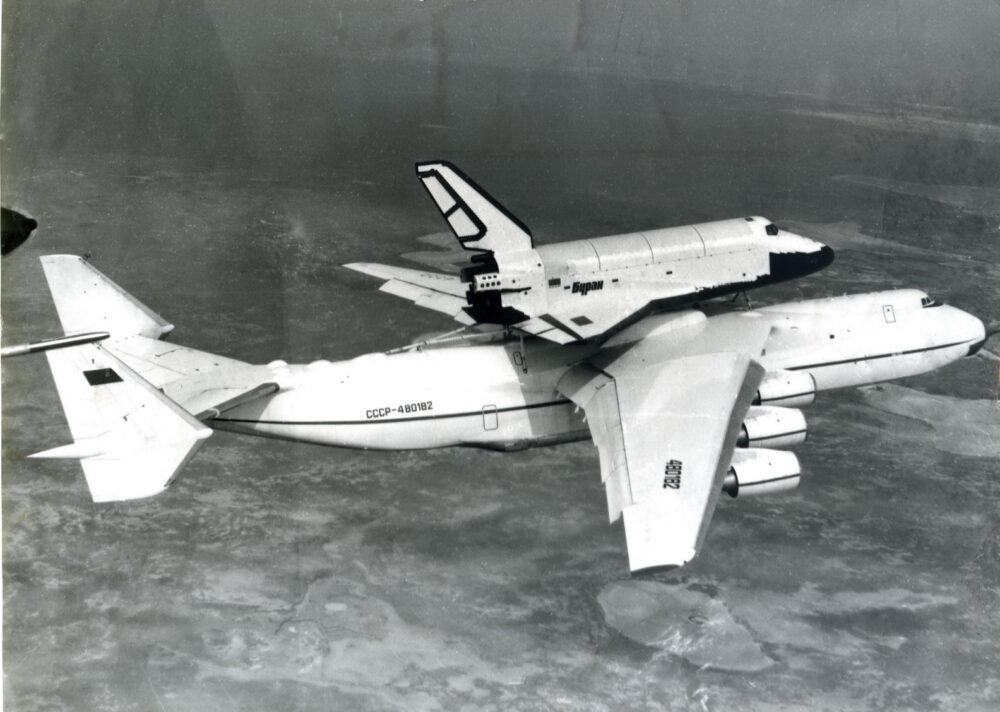An-225 with Buran orbiter