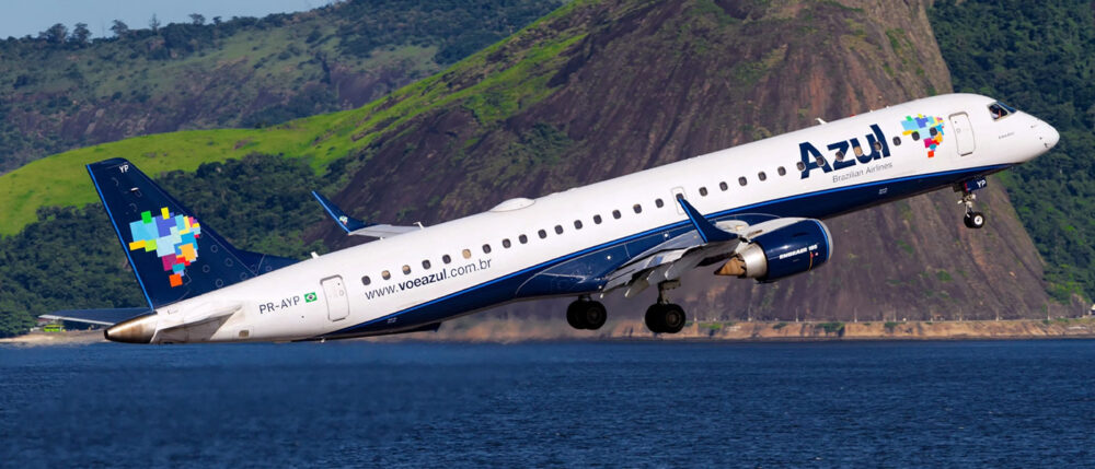 Azul Embraer
