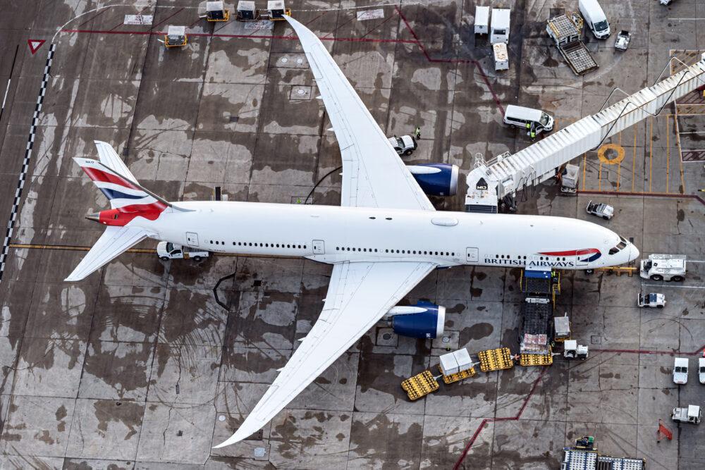 British Airways Boeing 787-9 Dreamliner G-ZBKO (4)