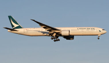 Cathay Pacific Boeing 777-367(ER) B-KPM