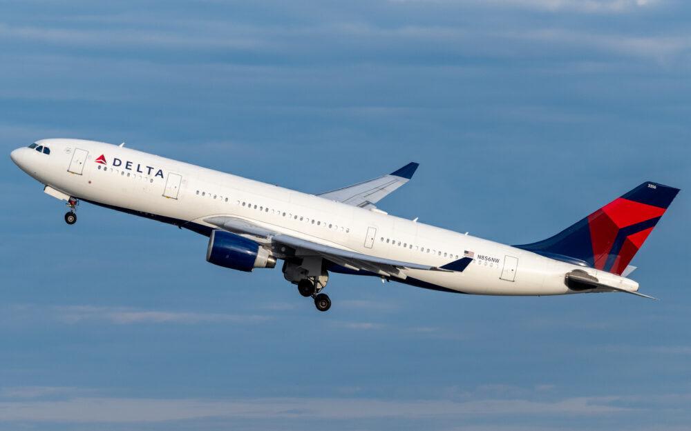 Delta A330-200