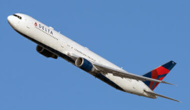 Delta Air Lines Boeing 767-432(ER) 835MH (2)