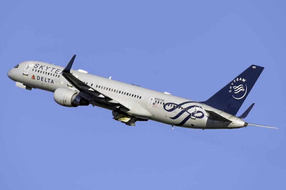 Delta Air Lines (SkyTeam Livery) Boeing 757-231 N705TW
