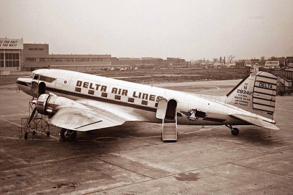 Delta Air Lines Douglas DC-3