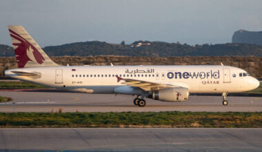 Qatar Airways Airbus A320 Landing At Athens