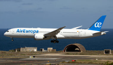 Air Europa Boeing 787-900 dreamliner about to land at Las