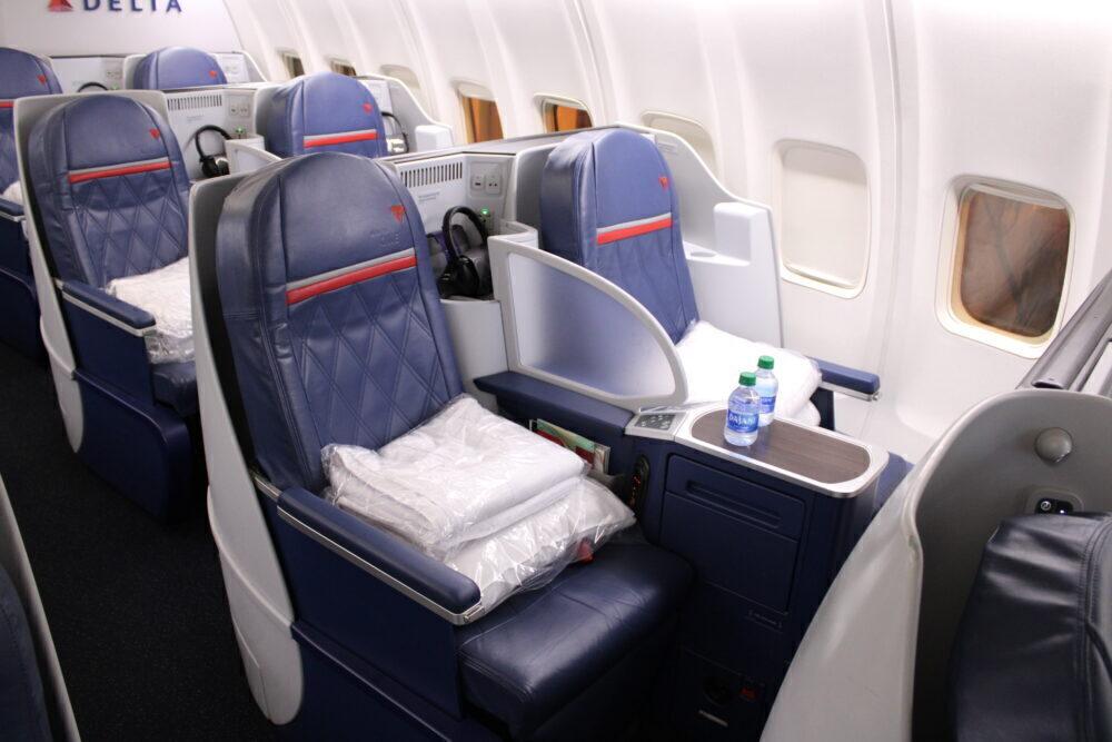 Lie-flat Boeing 757