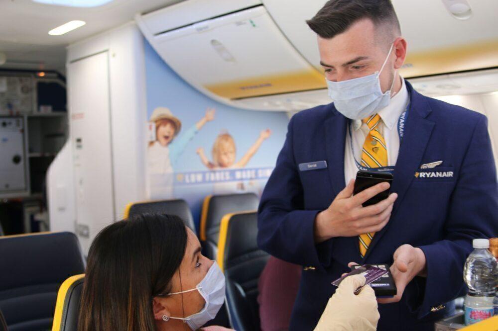 Ryanair Pilot Tells Passengers That A 737 Isn't Kindergarten